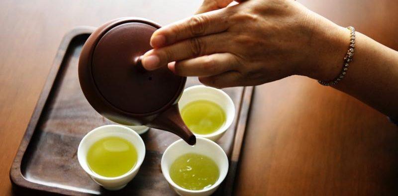 دم کردن چای سبز شمال