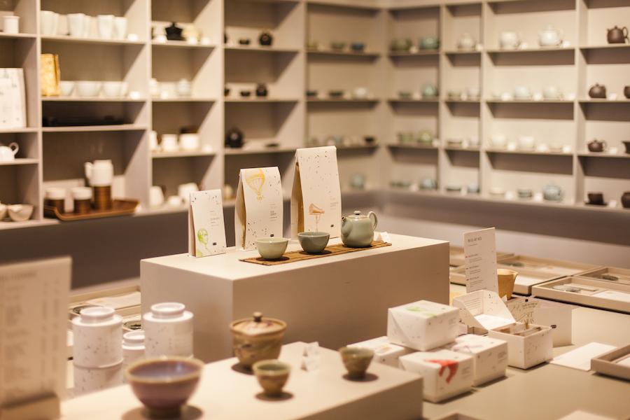 فروش چای در فروشگاه چای ایرانی