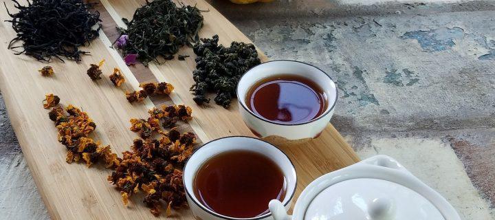 فروش چای ایرانی در بازار